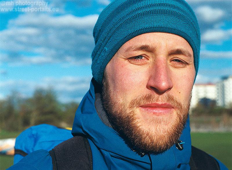 oskar kitesurfer - malmö sweeden (cold wind at the ocean)